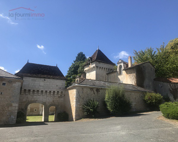 Chateau sur 21,5 hectares - chateau