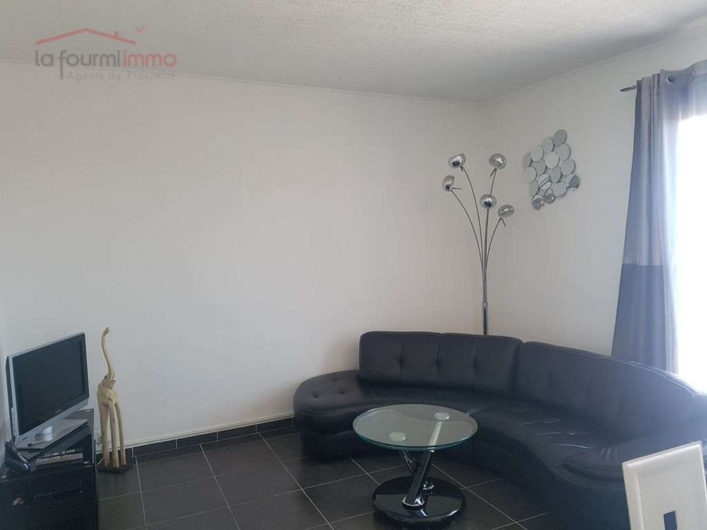 Appartement traversant 2 Ch - Toulon Les Routes - Salon 1