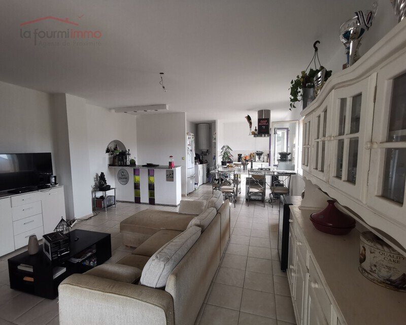 Appartement T4 avec terrasse.  - Img 20190910 093733