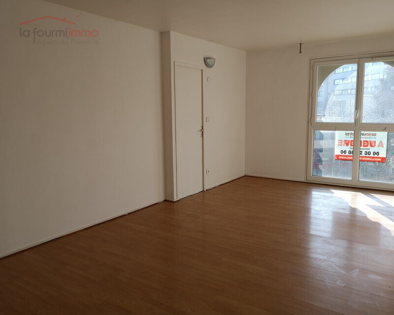 F3 de 73 m²  à Noisy-le-grand + parking en jouissance - Img 20200122 134839