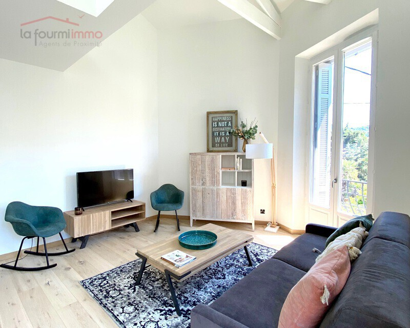 06400 Cannes centre, Vends appartement bourgeois T3 87 m2 env. - Img 0227