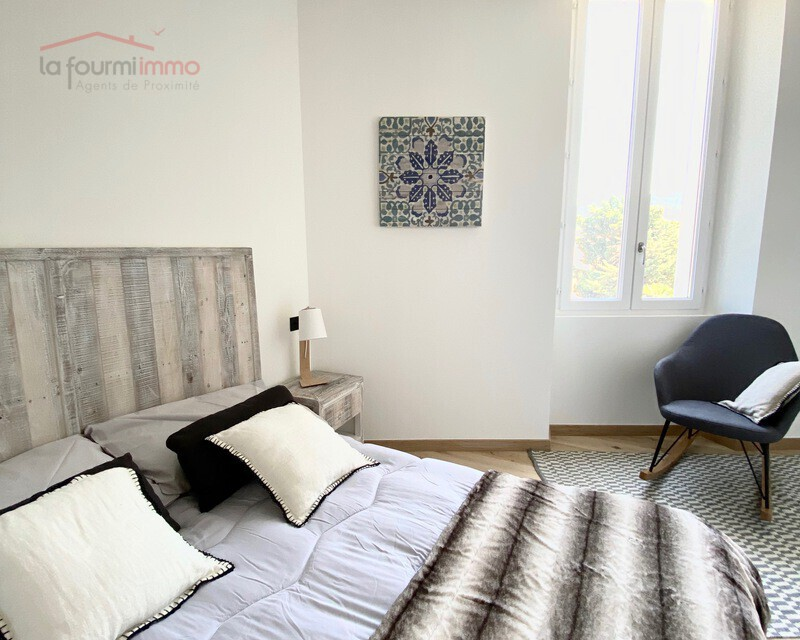 06400 Cannes centre, Vends appartement bourgeois T3 87 m2 env. - Img 0211