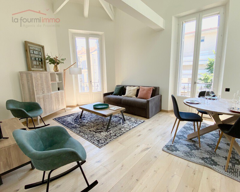 06400 Cannes centre, Vends appartement bourgeois T3 87 m2 env. - Img 0236