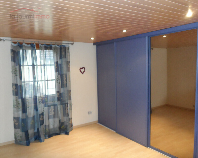 Local Commercial et Appartement à Reipertswiller 250 m2 ( 67340 ) - Sam 2232