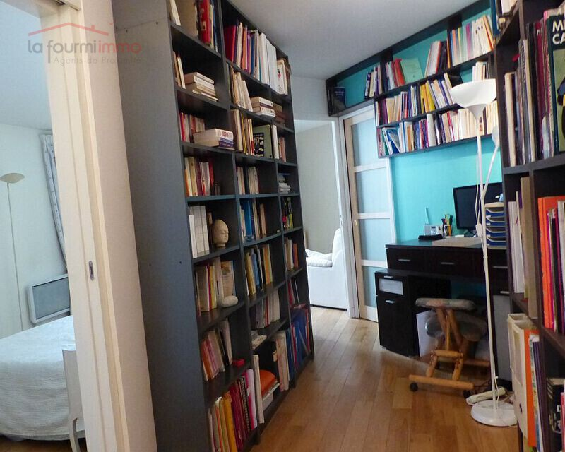Paris 14eme. Denfert Rocherau. Appartement 108 m². - Degagement