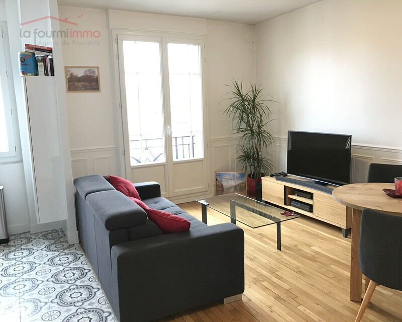 Exclusivité - Vincennes  - Centre 2P 42M2 Balcon - 20161025 084312672 ios